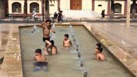 Manisa'da çocukların tehlikeli serinlemesi