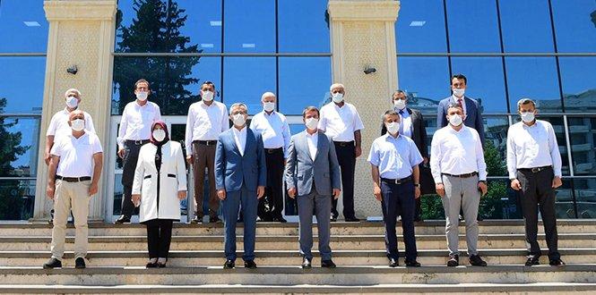 Başkan Güngör'den Türkoğlu Belediyesine ziyaret