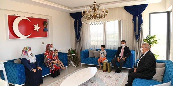 Başkan Mahçiçek, Bu Bayram da Şehit Ailelerini Unutmadı