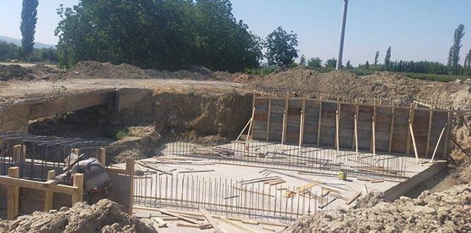 Bozlar'da köprü çalışmaları devam ediyor