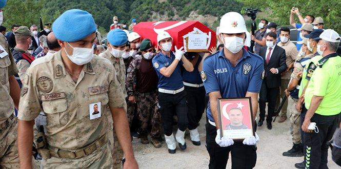 Şehit özel harekat polisi Osman GülKahramanmaraş'ta son yolculuğuna uğurlandı
