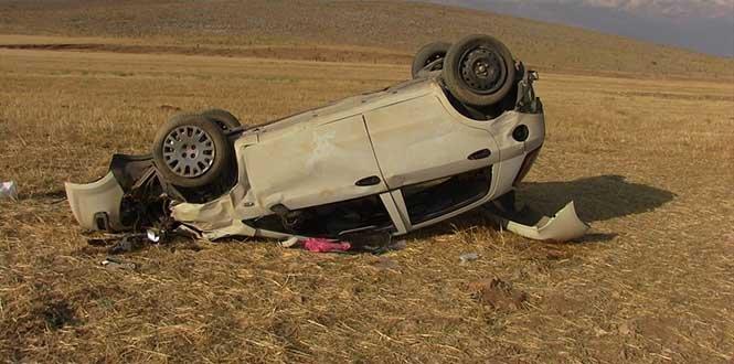 Kahramanmaraş'ta devrilen otomobildeki 3 kişi yaralandı